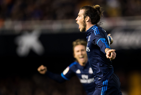 VALENCIA, SPAIN - JANUARY 03:  Gareth Bale of Real Madrid CF celebrates after scoring a goal during the Valencia CF vs Real Madrid CF as part of the Liga BBVA 2015-2016  at Estadi de Mestalla on January 3, 2016 in Valencia, Spain.  (Photo by Aitor Colomer/Power Sport Images/Getty Images)