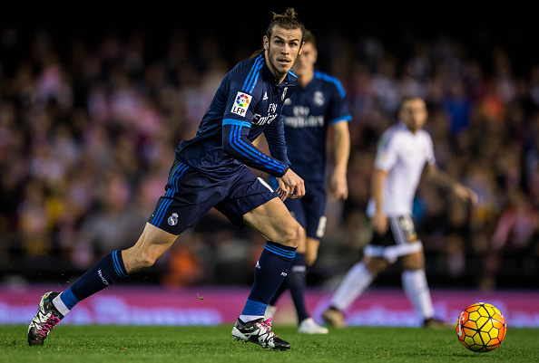 VALENCIA, SPAIN - JANUARY 03: Gareth Bale of Real Madrid CF in action during the Valencia CF vs Real Madrid CF as part of the Liga BBVA 2015-2016 at Estadi de Mestalla on January 3, 2016 in Valencia, Spain. (Photo by Aitor Colomer/Power Sport Images/Getty Images)
