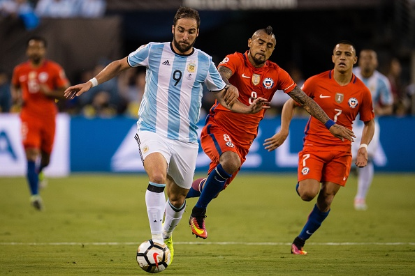 Higuain had his typical 'Final' miss during this one, too. (Photo by Stringer/Anadolu Agency/Getty Images)
